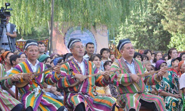 """Festival """"Bakhshiˮ u Uzbekistanu"""