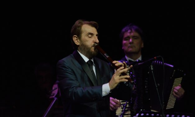 "Dugić, Spasov i Luka na koncertu ""Kraljevi fruleˮ"