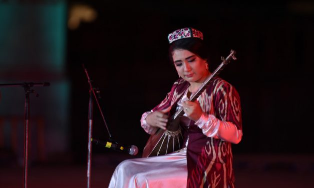 """Sharq Taronalari"": Festival nasred Puta svile"