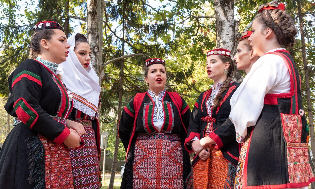 ženska pevačak grupa kud batajnica